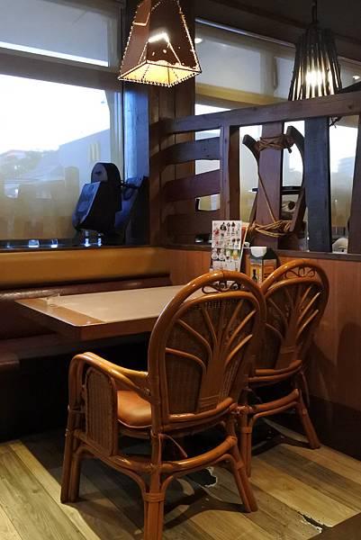 日本沖縄県ハンバーグレストランびっくりドンキーりうぼう天久店 (29).JPG