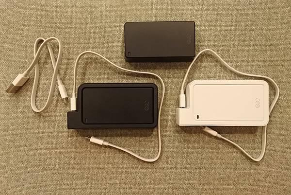 Q-SWAP 極速得電行動電源系統15600-UV黑白雙色配 (1).JPG