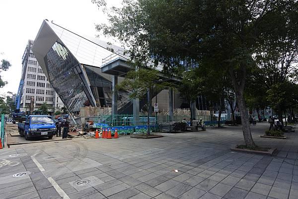 台北市南山廣場【盜攝版】2 (14).JPG