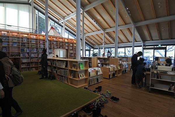 日本佐賀県武雄市こども図書館店 (5).JPG