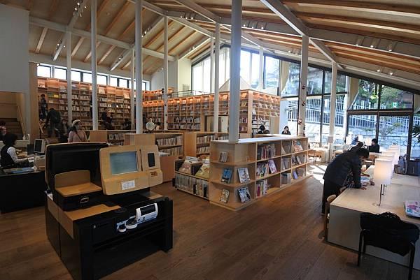 日本佐賀県武雄市こども図書館店 (3).JPG