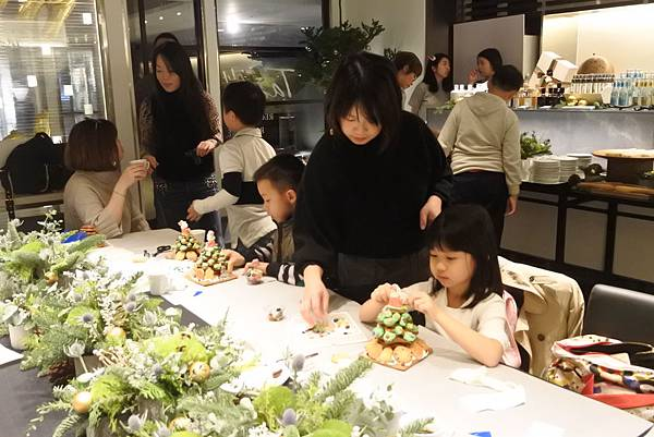 亞亞的薑餅耶誕樹 (30).JPG