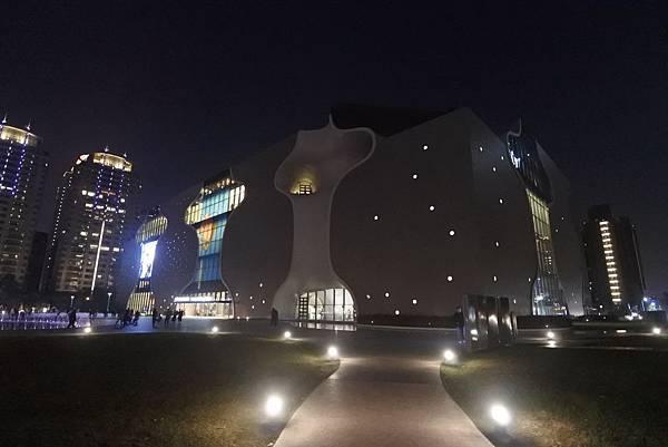 亞亞的歌劇院散步 (3).JPG