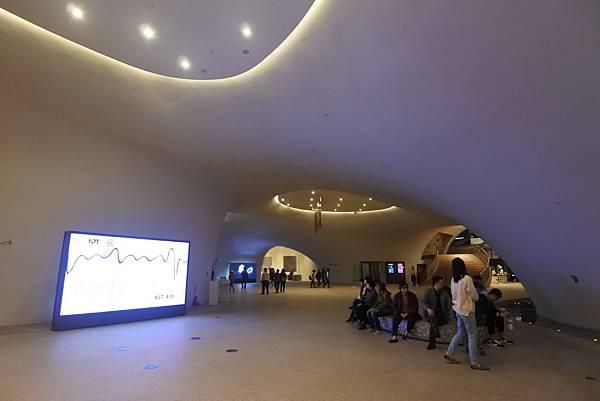 亞亞的歌劇院散步 (11).JPG