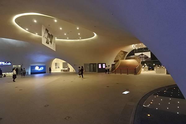 亞亞的歌劇院散步 (12).JPG