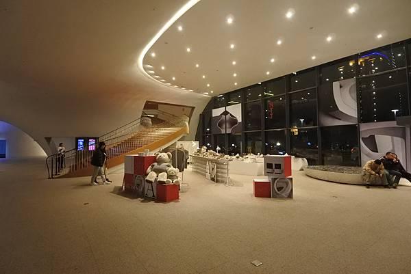 亞亞的歌劇院散步 (17).JPG