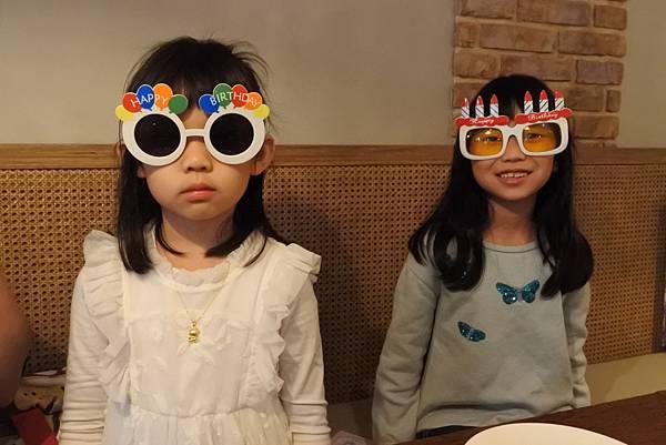 亞亞的7歲生日餐會 (1).JPG