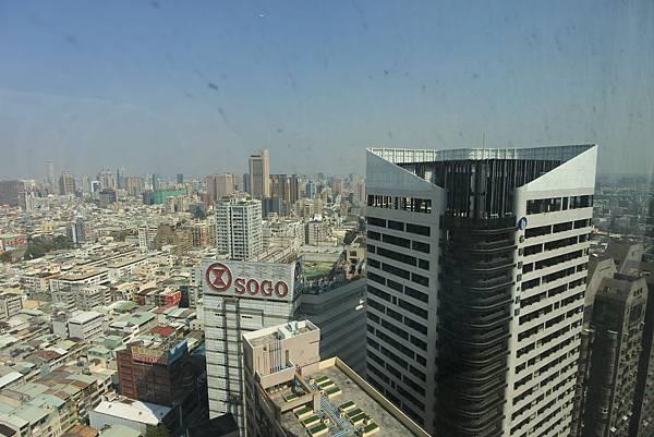 高雄市和逸 ‧ 高雄中山館:和逸客房 (3).JPG