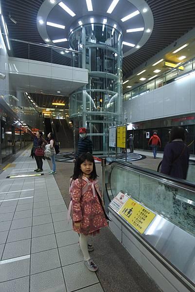 亞亞的港都小旅行 (9).JPG