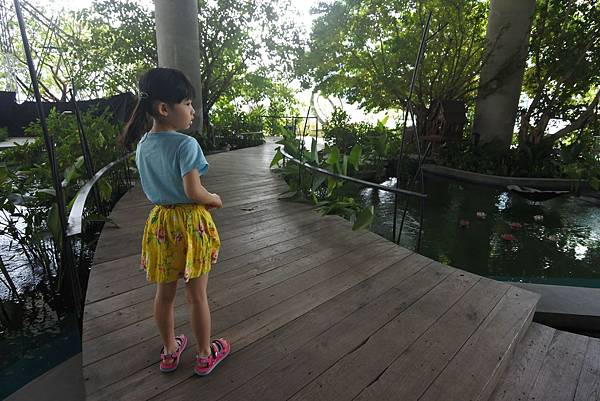 泰國曼谷EMQUARTIER:QUARTIER WATER GARDEN (5).JPG