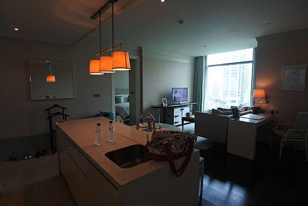 泰國曼谷ORIENTAL RESIDENCE BANGKOK:One Bedroom Suite Park View (2).JPG
