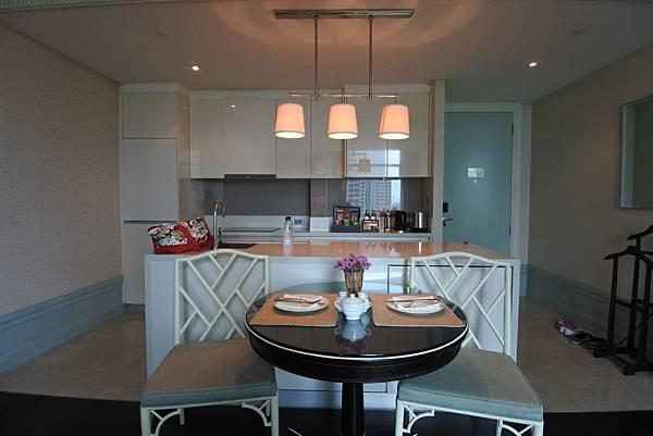 泰國曼谷ORIENTAL RESIDENCE BANGKOK:One Bedroom Suite Park View (5).JPG