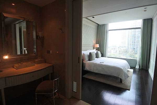 泰國曼谷ORIENTAL RESIDENCE BANGKOK:One Bedroom Suite Park View (10).JPG