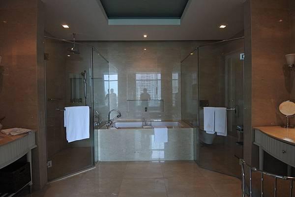 泰國曼谷ORIENTAL RESIDENCE BANGKOK:One Bedroom Suite Park View (17).JPG