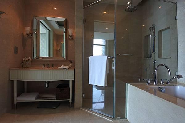 泰國曼谷ORIENTAL RESIDENCE BANGKOK:One Bedroom Suite Park View (19).JPG