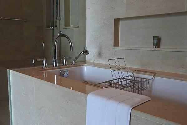 泰國曼谷ORIENTAL RESIDENCE BANGKOK:One Bedroom Suite Park View (20).JPG