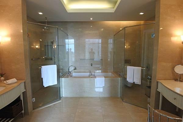 泰國曼谷ORIENTAL RESIDENCE BANGKOK:One Bedroom Suite Park View (27).JPG