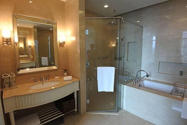 泰國曼谷ORIENTAL RESIDENCE BANGKOK:One Bedroom Suite Park View (28).JPG