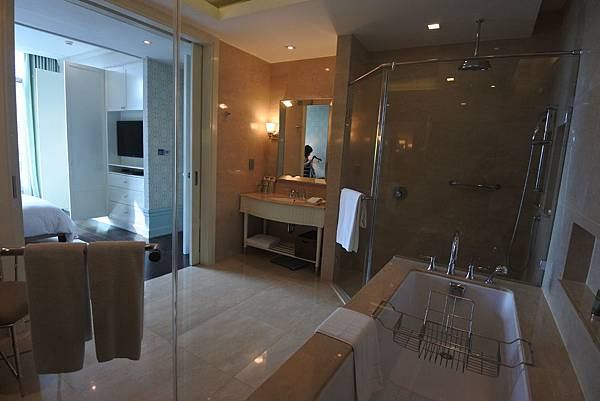 泰國曼谷ORIENTAL RESIDENCE BANGKOK:One Bedroom Suite Park View (32).JPG