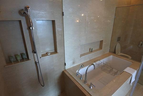 泰國曼谷ORIENTAL RESIDENCE BANGKOK:One Bedroom Suite Park View (33).JPG