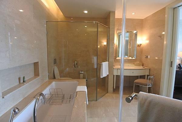 泰國曼谷ORIENTAL RESIDENCE BANGKOK:One Bedroom Suite Park View (34).JPG