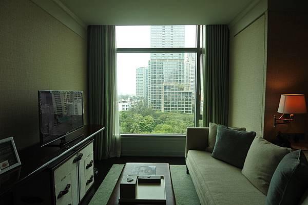 泰國曼谷ORIENTAL RESIDENCE BANGKOK:One Bedroom Suite Park View (6).JPG
