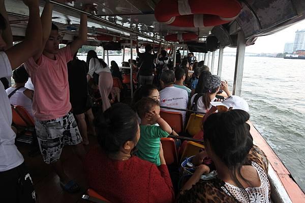 亞亞的泰國Free shuttle boat初體驗 (5).JPG
