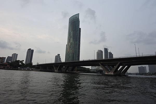 亞亞的泰國Free shuttle boat初體驗 (2).JPG
