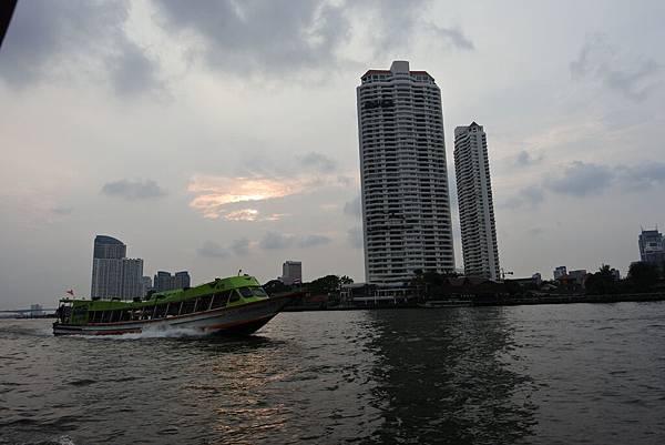 亞亞的泰國Free shuttle boat初體驗 (4).JPG