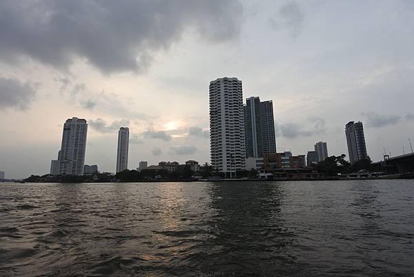 亞亞的泰國Free shuttle boat初體驗 (1).JPG
