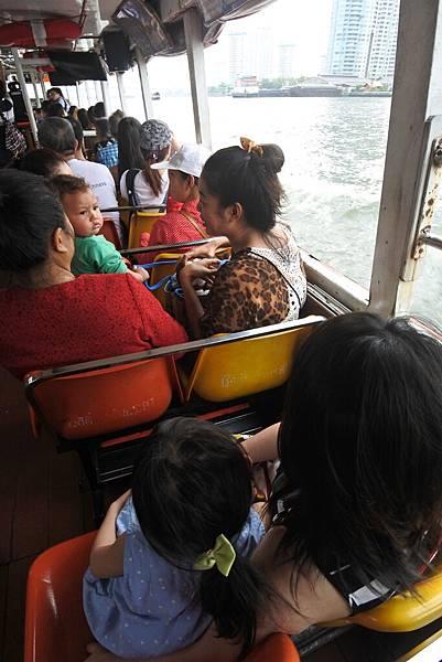 亞亞的泰國Free shuttle boat初體驗 (6).JPG