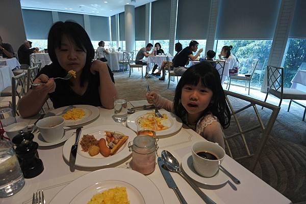 泰國曼谷ORIENTAL RESIDENCE BANGKOK:早餐 (11).JPG