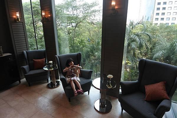 泰國曼谷ORIENTAL RESIDENCE BANGKOK:Oriental Bar (3).JPG