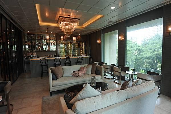 泰國曼谷ORIENTAL RESIDENCE BANGKOK:Oriental Bar (1).JPG