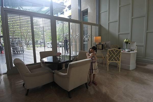 泰國曼谷ORIENTAL RESIDENCE BANGKOK:大廳 (4).JPG
