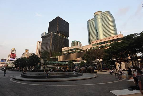 泰國曼谷central world (7).JPG