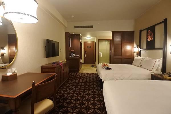 香港迪士尼探索家度假酒店:豪華客房 (1).JPG