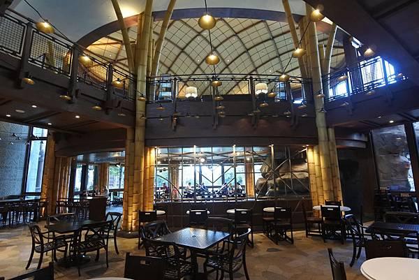 香港迪士尼探索家度假酒店:星航圖咖啡廳 (1).JPG