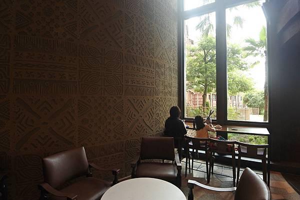 香港迪士尼探索家度假酒店:星航圖咖啡廳 (6).JPG