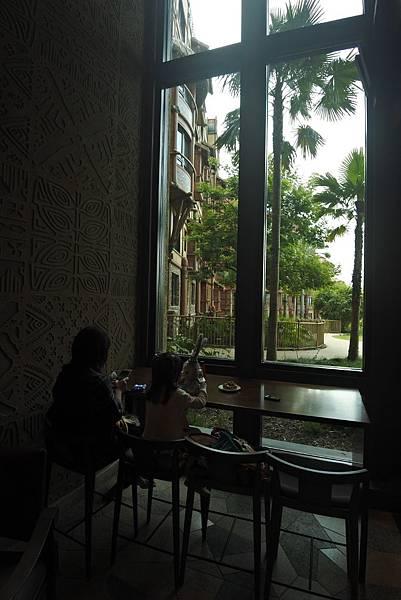 香港迪士尼探索家度假酒店:星航圖咖啡廳 (7).JPG