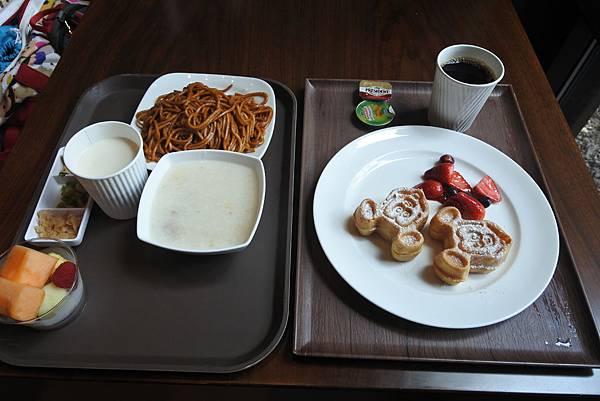 香港迪士尼探索家度假酒店:星航圖咖啡廳 (9).JPG
