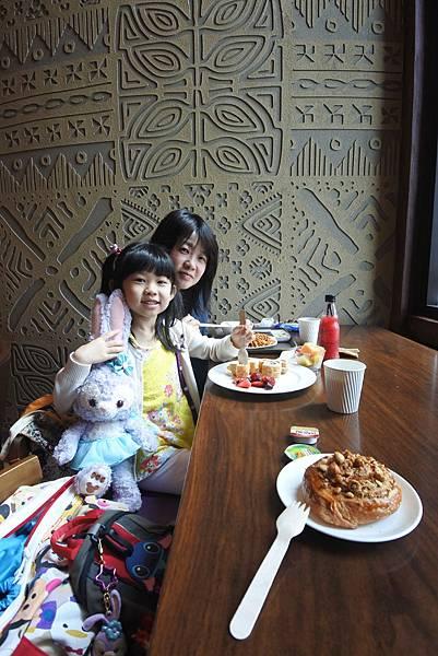 香港迪士尼探索家度假酒店:星航圖咖啡廳 (12).JPG