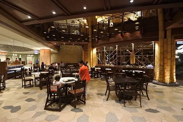 香港迪士尼探索家度假酒店:星航圖咖啡廳 (14).JPG