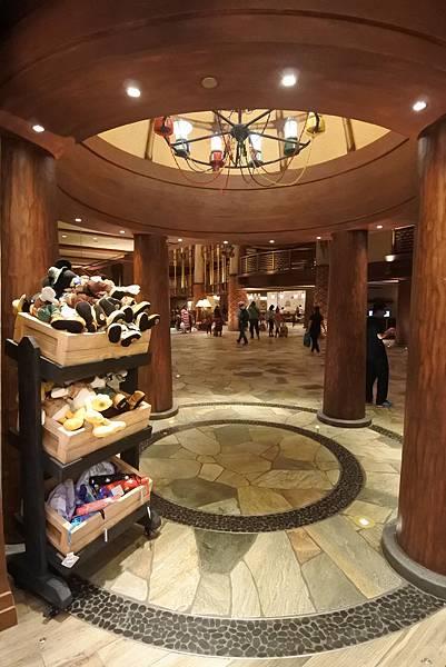 香港迪士尼探索家度假酒店:叢林商店 (8).JPG