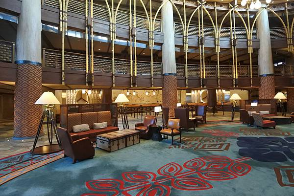 香港迪士尼探索家度假酒店:大堂 (3).JPG