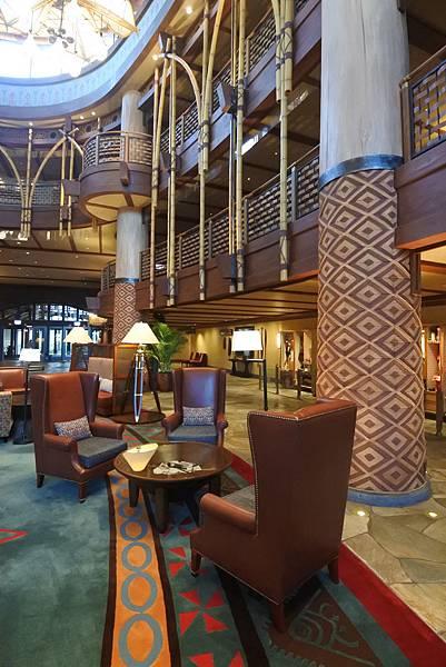 香港迪士尼探索家度假酒店:大堂 (4).JPG