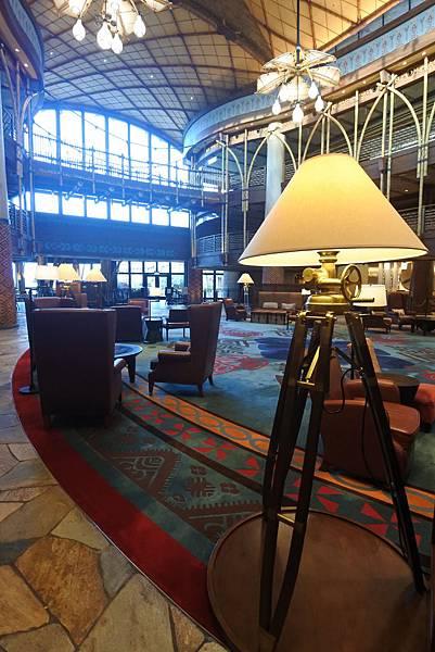 香港迪士尼探索家度假酒店:大堂 (6).JPG