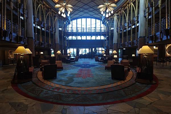 香港迪士尼探索家度假酒店:大堂 (8).JPG