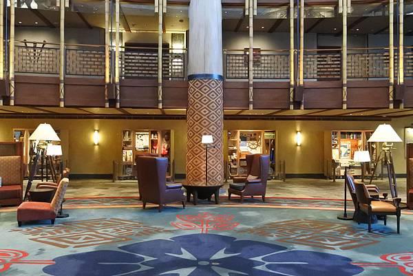 香港迪士尼探索家度假酒店:大堂 (15).JPG