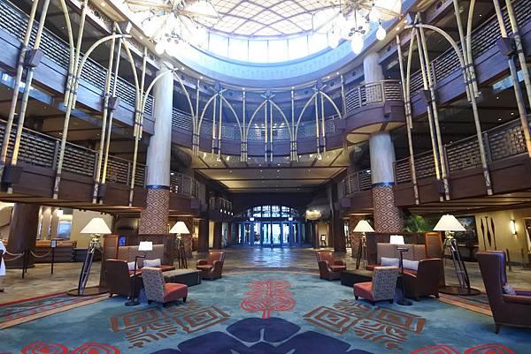 香港迪士尼探索家度假酒店:大堂 (21).JPG